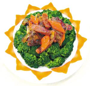 西兰花俗称青花菜,绿花菜,是全年都可以吃到的蔬菜,但秋季是最好的