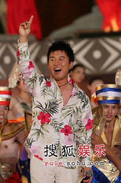 满文军献歌民歌节 领奖演出筹备个唱依旧忙碌