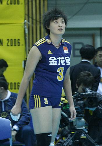 图文:女排世锦赛第三日 杨昊看准来球