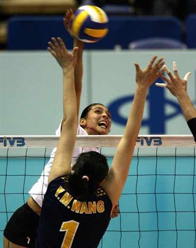 图文:女排世锦赛中国3-0墨西哥 王一梅拦网