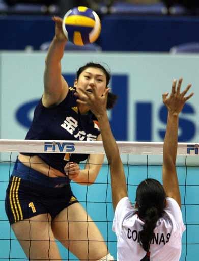 图文:女排世锦赛中国3-0墨西哥 王一梅扣球