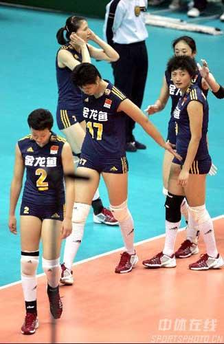 图文:中国女排对德国 中国队退场