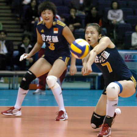 图文:世锦赛中国女排两连败 1比3不敌德国队