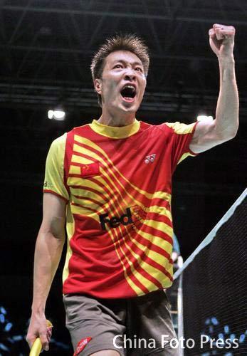 图文:丹麦羽毛球公开赛男单夺冠 陈宏庆祝胜利