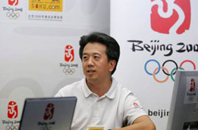 """资料图:""""走近我们的奥运"""" 李世新做客官网"""