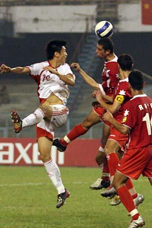 图文:亚青赛中国1-2不敌约旦 杨旭头球摆渡