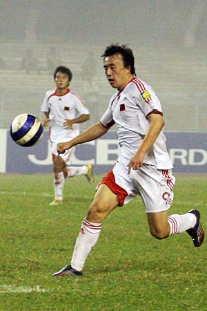 图文:亚青赛中国1-2不敌约旦 王永珀准备射门