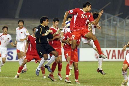 图文:亚青赛中国1-2不敌约旦 约旦队手球铁证