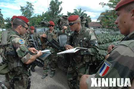 组图:欧盟驻刚果(金)维和部队加强巡逻