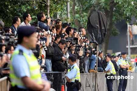 香港各界送别霍英东 丧礼以国家领导人规格举行
