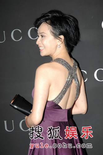 刘嘉玲秀美背艳光四射 关之琳超短裙可爱抢镜