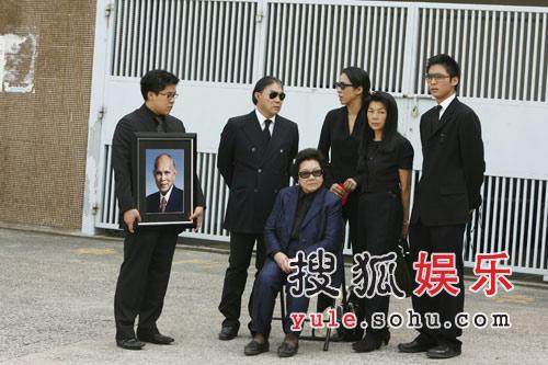 做了二十六年霍家媳妇的前香港小姐朱玲玲,虽然与霍英东之子霍震霆