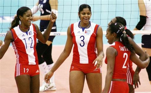 图文:女排世锦赛第八日 古巴队员庆祝胜利