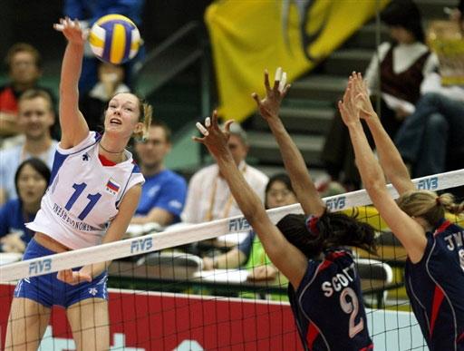 图文:女排世锦赛第八日 加莫娃重炮轰击
