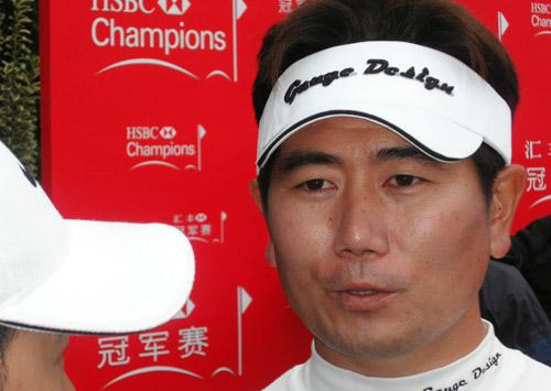组图-汇丰高尔夫赛结束 韩国黑马杨永允捧冠军