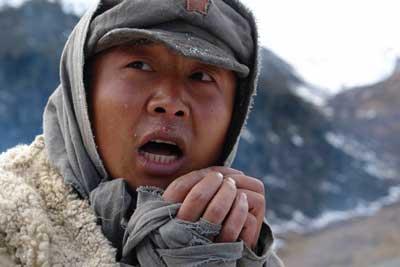 剧组爬雪山过草地 《革命到底》转战到大渡河