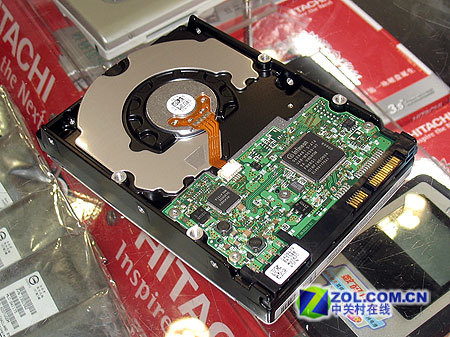 SATA2.5走红 日立160G硬盘仅售450元