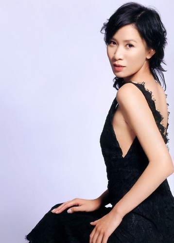 图文:香港TVB签约女艺人-佘诗曼