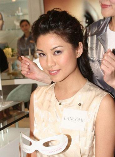 图文:香港TVB签约女艺人-廖碧儿