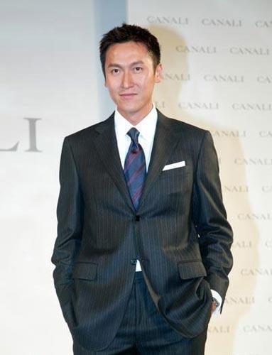 图文:香港TVB签约男艺人-马德钟