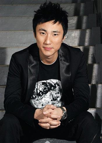 图:香港TVB签约男艺人-崔建邦