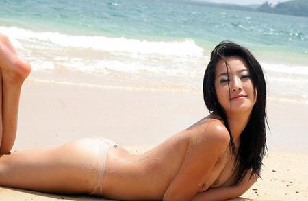 韩国美女李慧琳沙滩拍性感写真