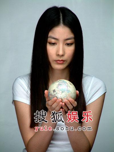 陈慧琳手抱BB拍宣传片 身体力行支持环保(图)