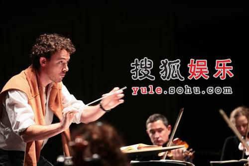 法国奥斯蒂纳托管弦乐团 献演国际艺术节(图)