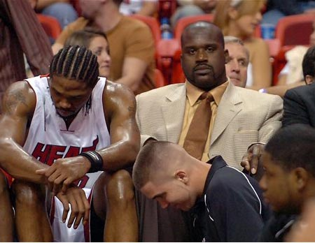NBA图:热火负尼克斯 奥尼尔替补席西装革履