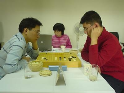 组图:围棋甲级联赛第17轮 四场主将战引人瞩目