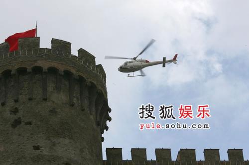阿汤哥婚宴做足保全工作 直升机城堡上方巡视