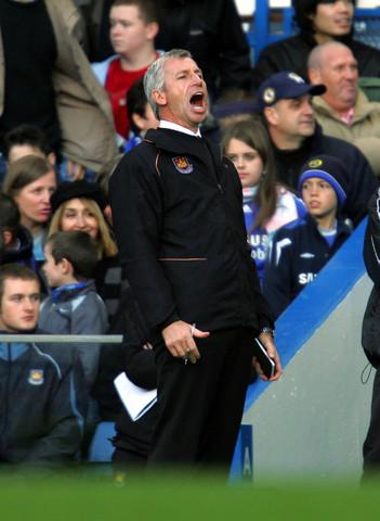 图文:切尔西1-0胜西汉姆联 帕杜有点急了