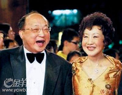 夫唱妻和_胡志强夫妻结婚20多年,夫唱妻和.