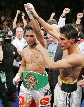 亚洲拳击震惊全世界 帕奎奥三回合终结莫拉莱斯