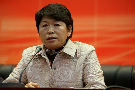 图文:中国代表团通气会 棒球部部长申伟讲话
