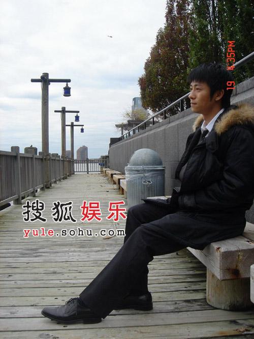 林申与归亚蕾贾妮共度感恩节 将接拍央视大戏