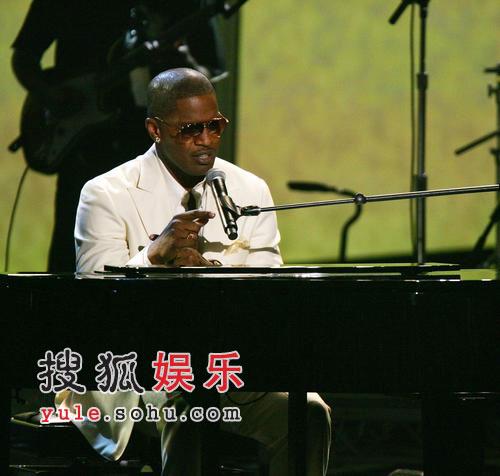 2006全美音乐奖颁奖礼现场 影帝福克斯献唱