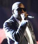 Jay-Z献唱美女伴舞