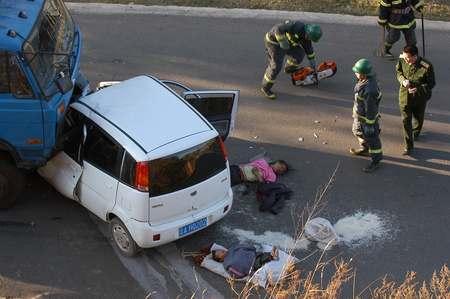 云南嵩明发生重大交通事故 6人死亡1人重伤(图)