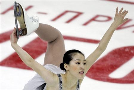 图文:花样滑冰大奖赛俄罗斯站 刘艳翩翩起舞