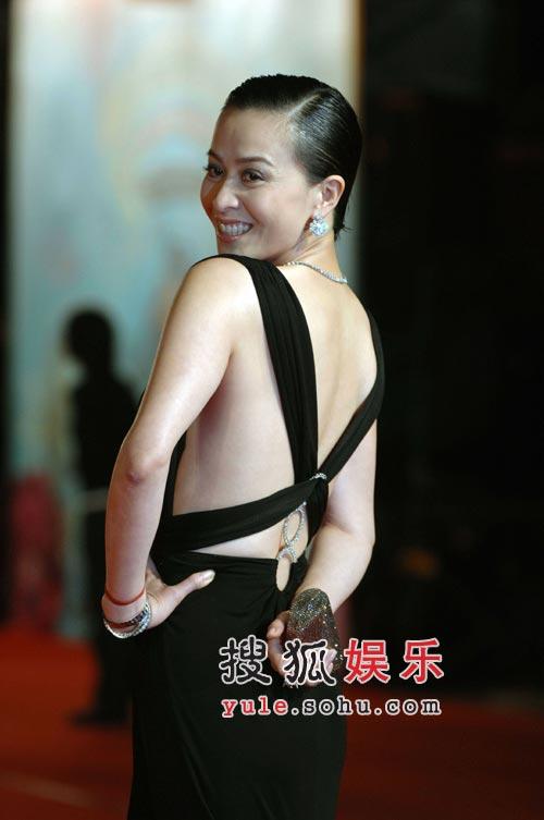 """快讯:刘嘉玲称自己现在正在""""听牌"""""""