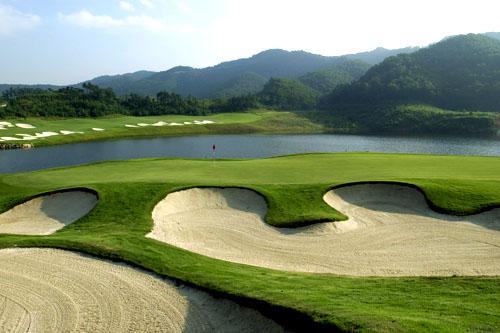 图文:观澜湖高尔夫俱乐部风光 奥拉查宝球场