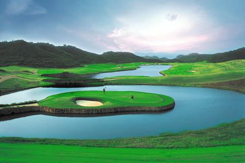 图文:观澜湖高尔夫俱乐部风光 尼克佛度球场