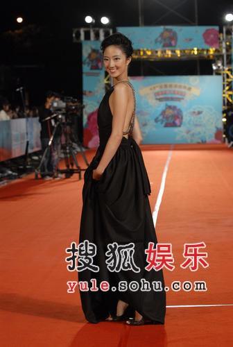 快讯:桂伦美自称想挑战《天下无双》王菲的角色