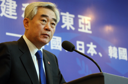 赵正源:三国应超出国家利益范畴考虑区域合作