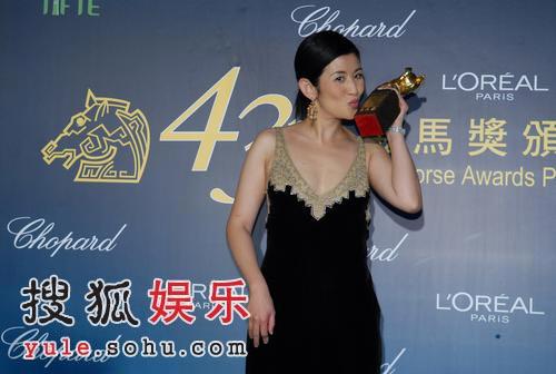 快讯:吴君如称陈可辛拿到奖终于可以配她了
