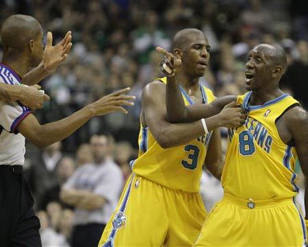 NBA图:小牛胜黄蜂 杰克逊技术犯规被驱逐出场