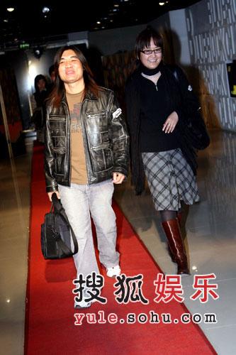 图:星外星唱片副总\著名乐评人王磊 丰华老总于歌女士