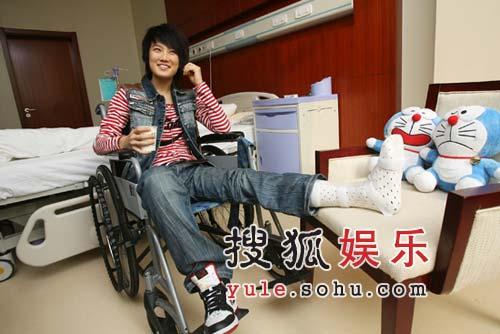 刘力扬首度透露手术细节 手术后首次曝光(图)