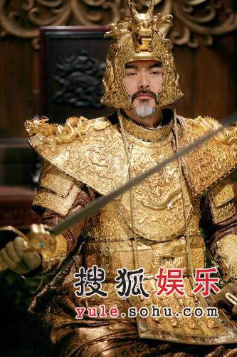 《黄金甲》终结版剧照 周润发帝王造型显风范